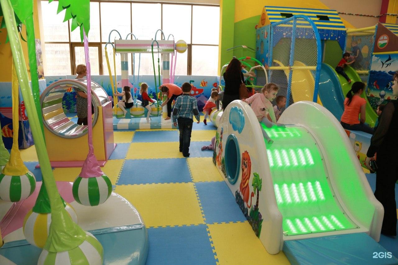 Игровая для ребенка в зале фото