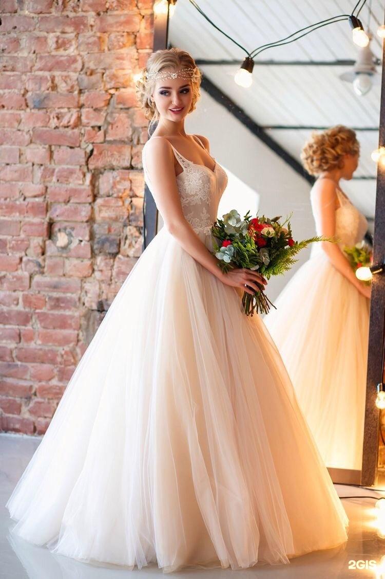 Стили свадебных причесок к пышному платью