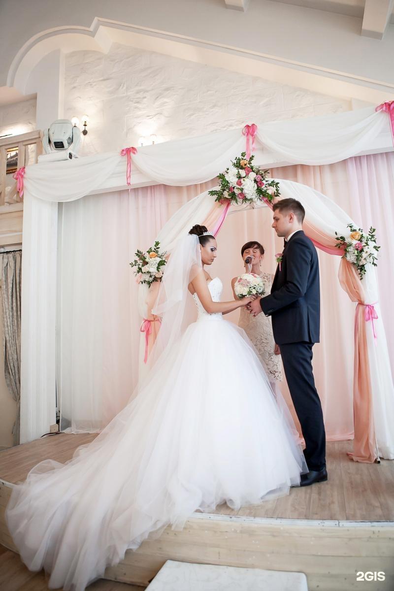 фотографии переодевающихся невест