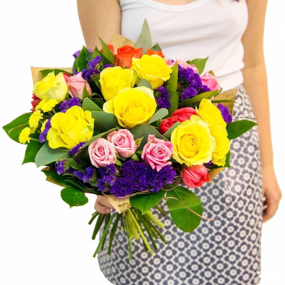 Какие цветы подарить маме спб