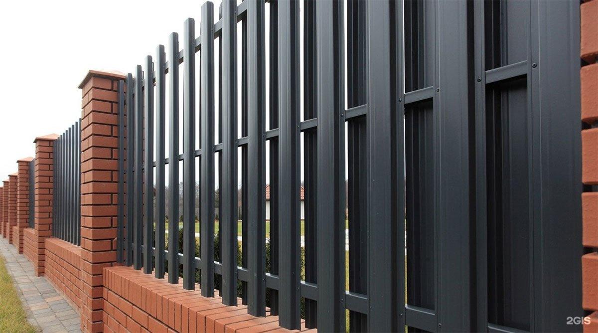 Металлический штакетник забор автоматические ворота itktjd